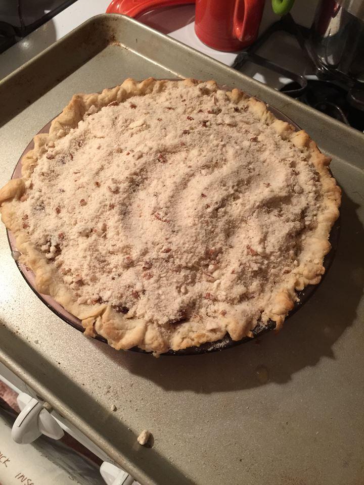 pie with crumbs